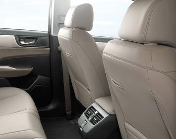 2020 Clarity Plug-in Hybrid interior